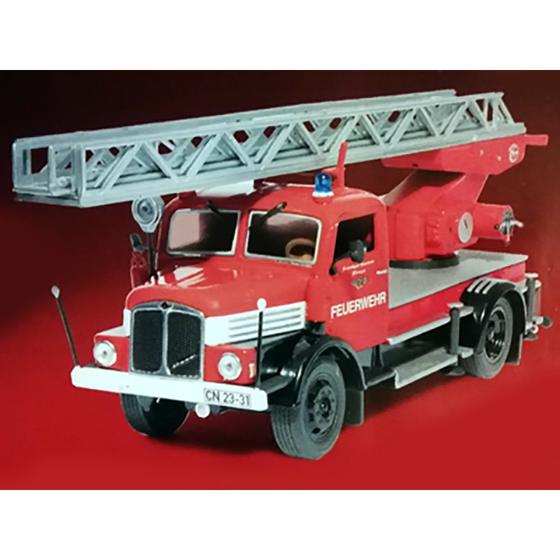 IFA S4000-1 Echelle pivotante Pompier allemand